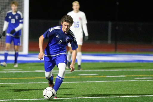 10.29.18 Lake George vs Maple Hill Boy's Varsity Soccer NYSPHAA - Section 2 Class C Championship Lake George - 0 Maple Hill - 1 https://capitalregionhssports.com